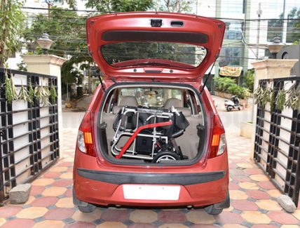 Ultra Lightweight Powered Traveling Wheelchair G11 In Car